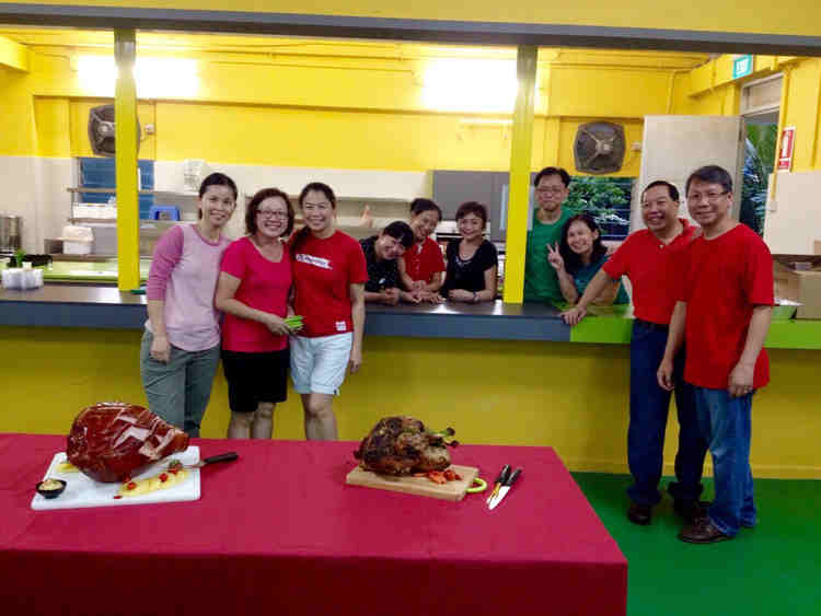 Our big-hearted volunteers (from left to right): Janet, Lay Chin, Shang, Linda, Elsie, Janie, Gilbert, Ning Jer, Teddy and Yang