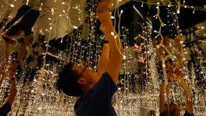 Heart-of-God-Church-Christmas-Infinity-Room-1024x577