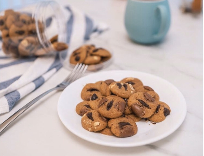 This image has an empty alt attribute; its file name is Xin-Huis-Cookies.jpg