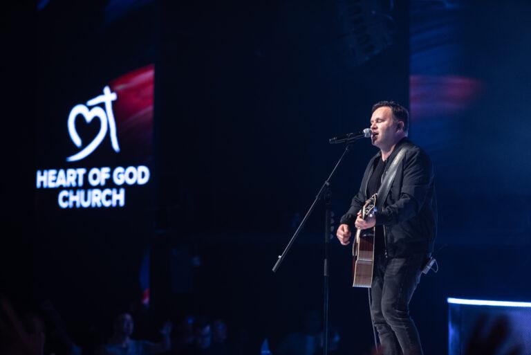 'The Same Jesus' by Matt Redman – Filmed Live at Heart of God Church.